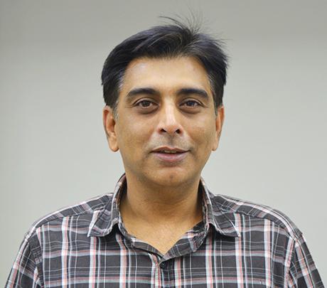Dr. Gayo Marolia