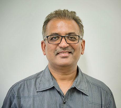 Dr. Minish Jain